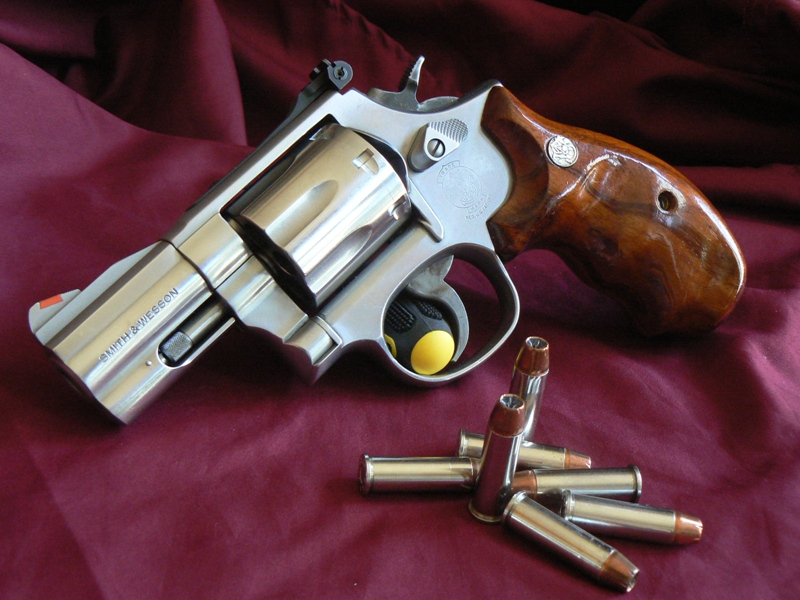 Beautiful Smith Wesson 686 5 7 Shot Walnut Grips Excellent Condition Im Asking 650 Shipped Insured To Your FFL